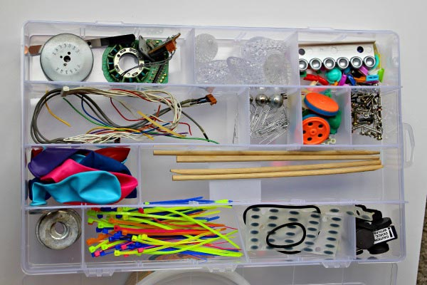 Make Your Own Tinker Kit & Robot Craft for Kids