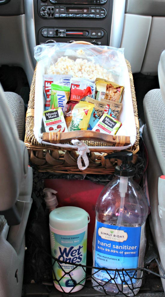 Organize your car for a road trip with kids - healthy snacks, no tech ideas & needed items