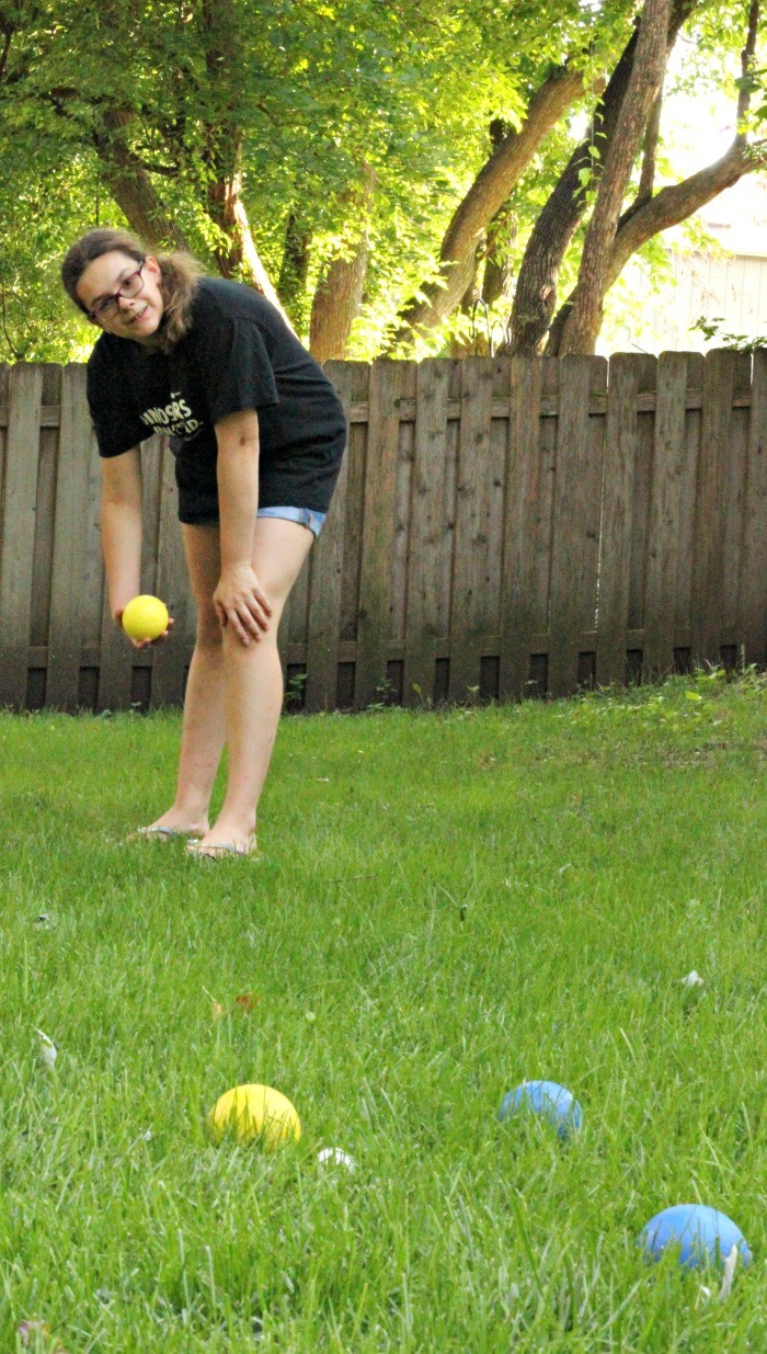 Classic backyard lawn games for kids, teens and family!