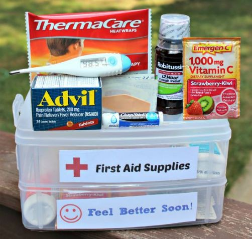 DIY First Aid Kit List {with free printable!}