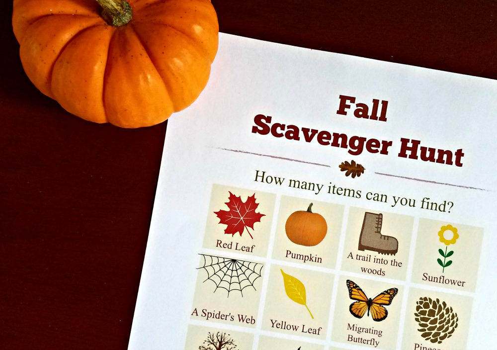 Printable Fall Scavenger Hunt list with clues!