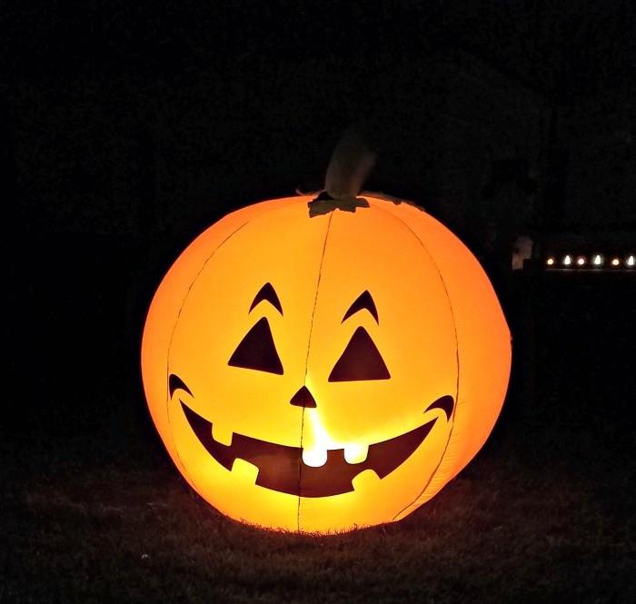 Outdoor halloween scavenger hunt for kids