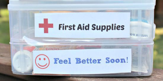 Supply list of what to include in first aid kit  with free printable