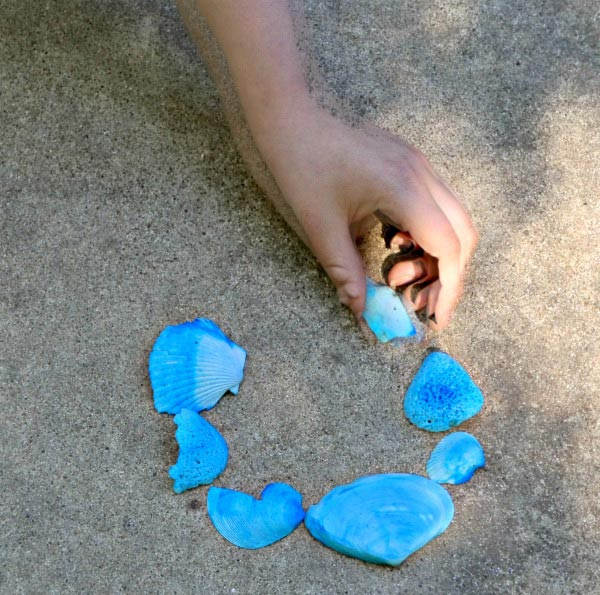 Outdoor nature craft for kids -- Build the Olympic Rings