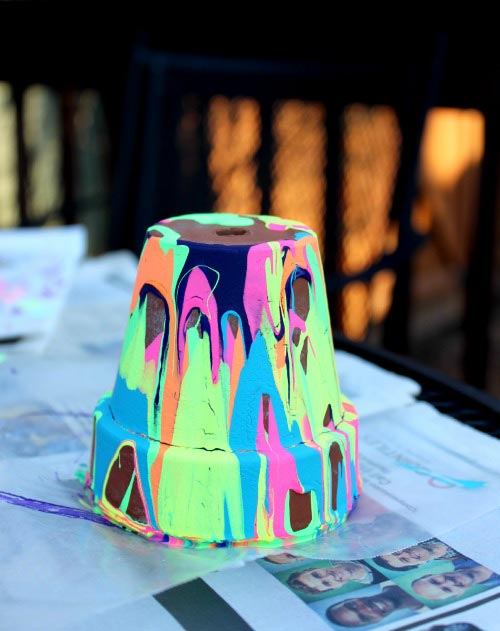 Garden crafts for Kids: paint garden pots