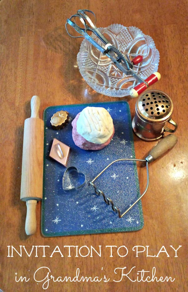 Pretend kitchen play that kids will love for the holidays